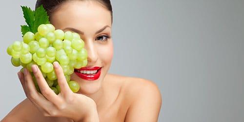 к чему снится кушать виноград