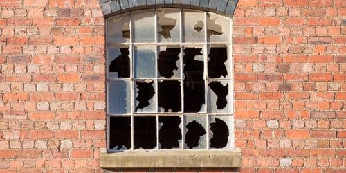 к чему снится разбить окно