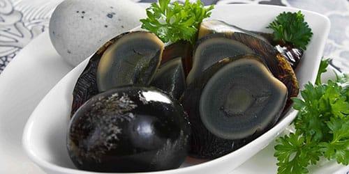 черные яйца
