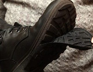 К чему снится рваная обувь?