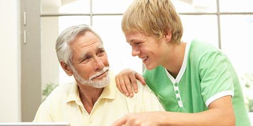 внук с дедушкой