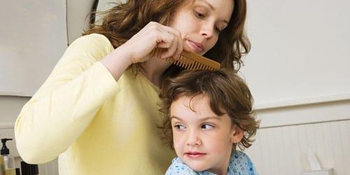 вычесывать вши из головы ребенка