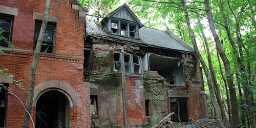 к чему снится заброшенный дом
