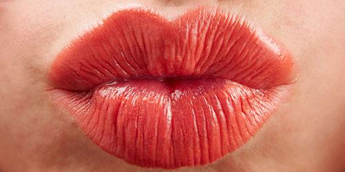 к чему снится целоваться в губы с любимым мужчиной