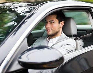 Ехать на автомобиле