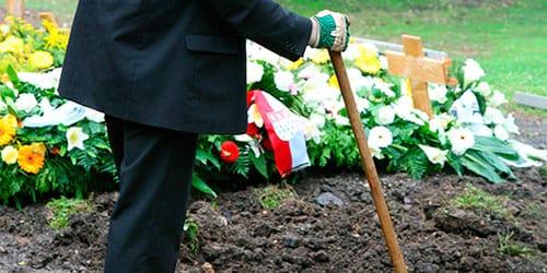 копать могилу во сне