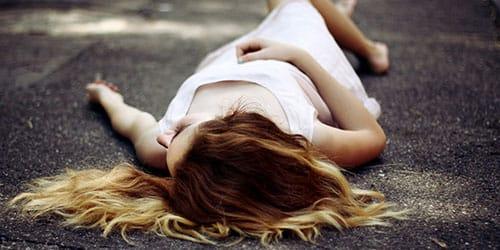 мертвая девушка