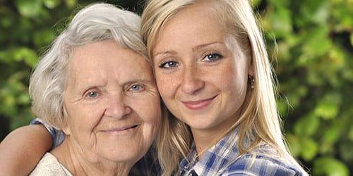 бабушка с внучкой