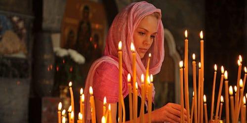молиться в церкви во сне