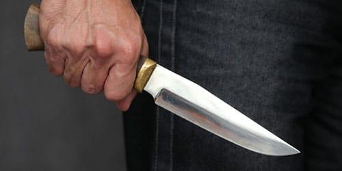 к чему снится нож в спине
