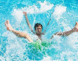 Падать в воду