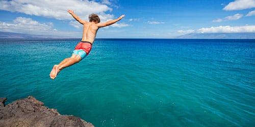 прыгнуть с обрыва