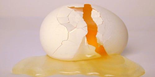 разбитое яичко