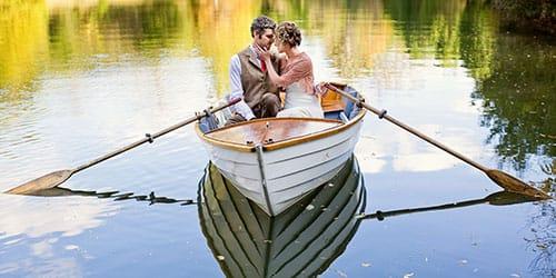 плыть в лодке