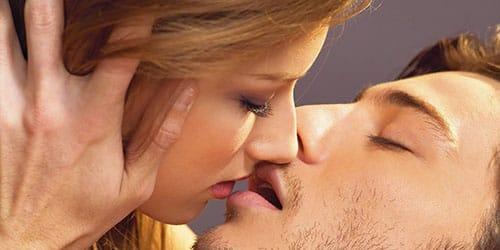 целоваться с незнакомым мужчиной во сне