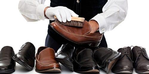 ухаживать за обувью