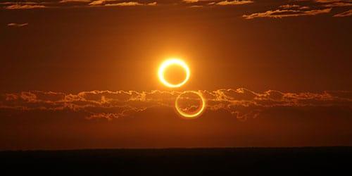 два круга в небе