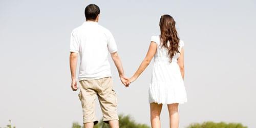 к чему снится идти за руку с мужчиной