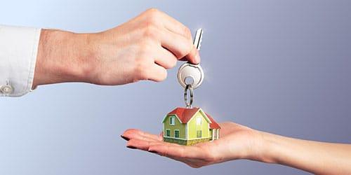 подарили ключи от новой квартиры