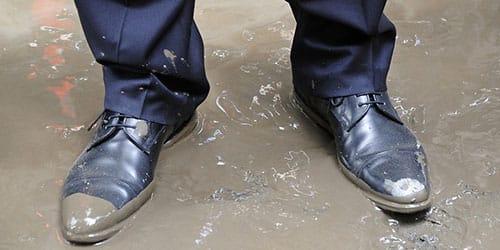 грязные туфли