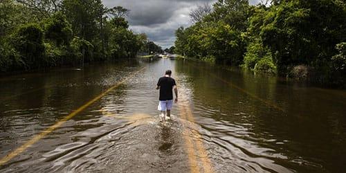 вода на дороге