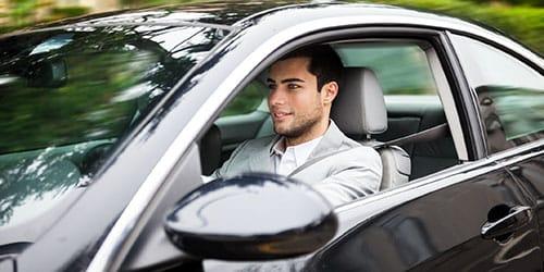 ехать на машине