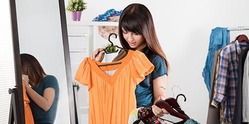 к чему снится одевать платье