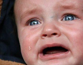 Плачет ребенок