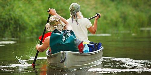 плыть на лодке