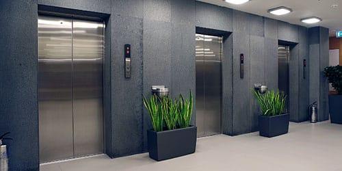 не успеть в лифт