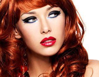 Рыжая женщина