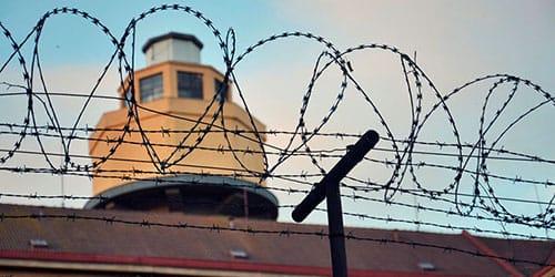 к чему снится сбежать из тюрьмы