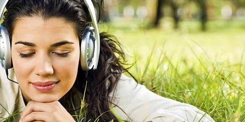 к чему снится слушать музыку