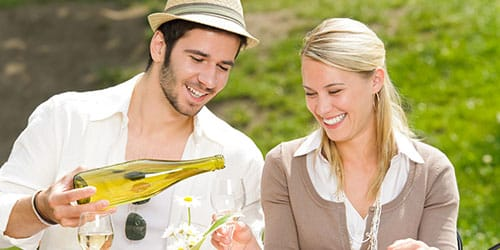 к чему снится бокал вина
