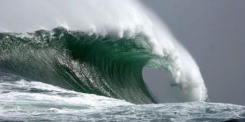 видеть во сне большие волны