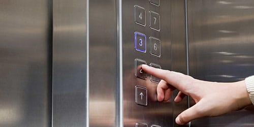ехать в лифте во сне