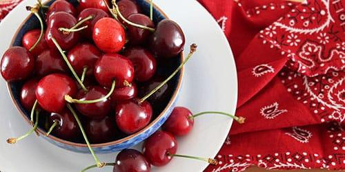 видеть красные ягоды во сне