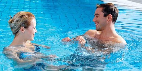 к чему снится купаться в бассейне
