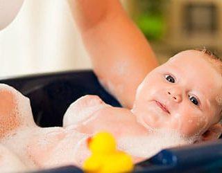 Мыть ребенка