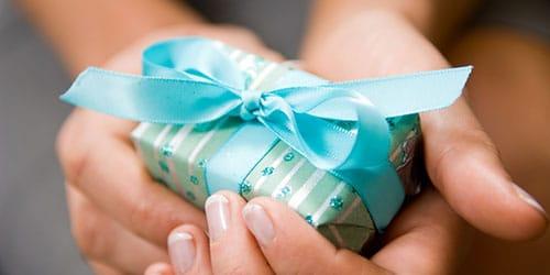 к чему снится получать подарки
