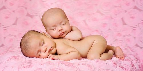 к чему снится родить близнецов
