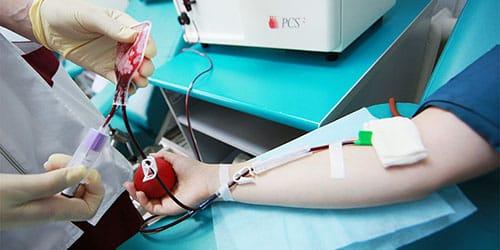 сдавать кровь во сне