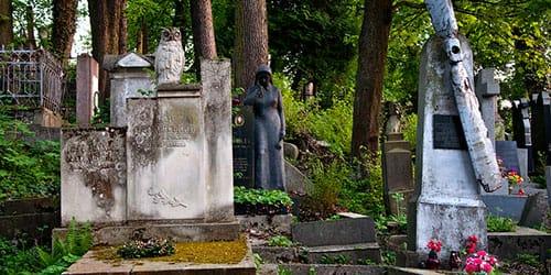 видеть во сне старое кладбище