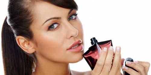 нюхать парфюмерию