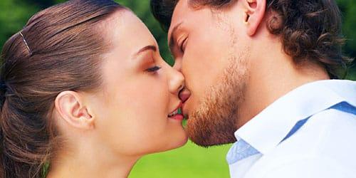 толкование сна поцелуй со знакомым