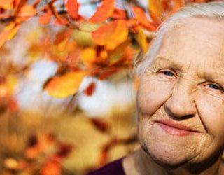 К чему снится незнакомая бабушка?