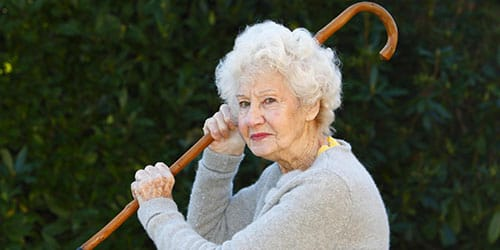 баба с палочкой