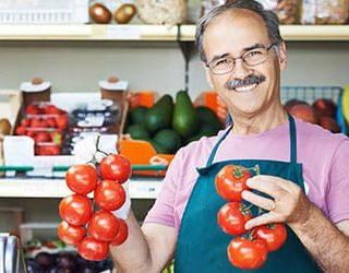 Покупать помидоры