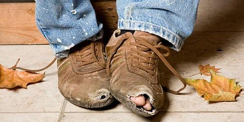 видеть во сне порванную обувь