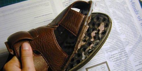 дырявый ботинок